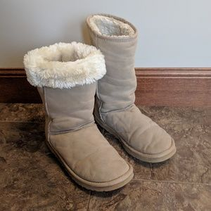 UGG Classic Tall 5815 boots size 10